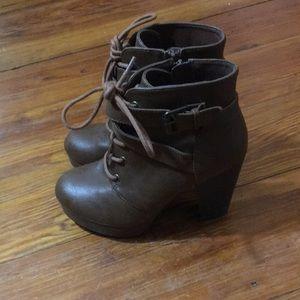 Women's Size 5.5 Boot Heels With Side Zipper